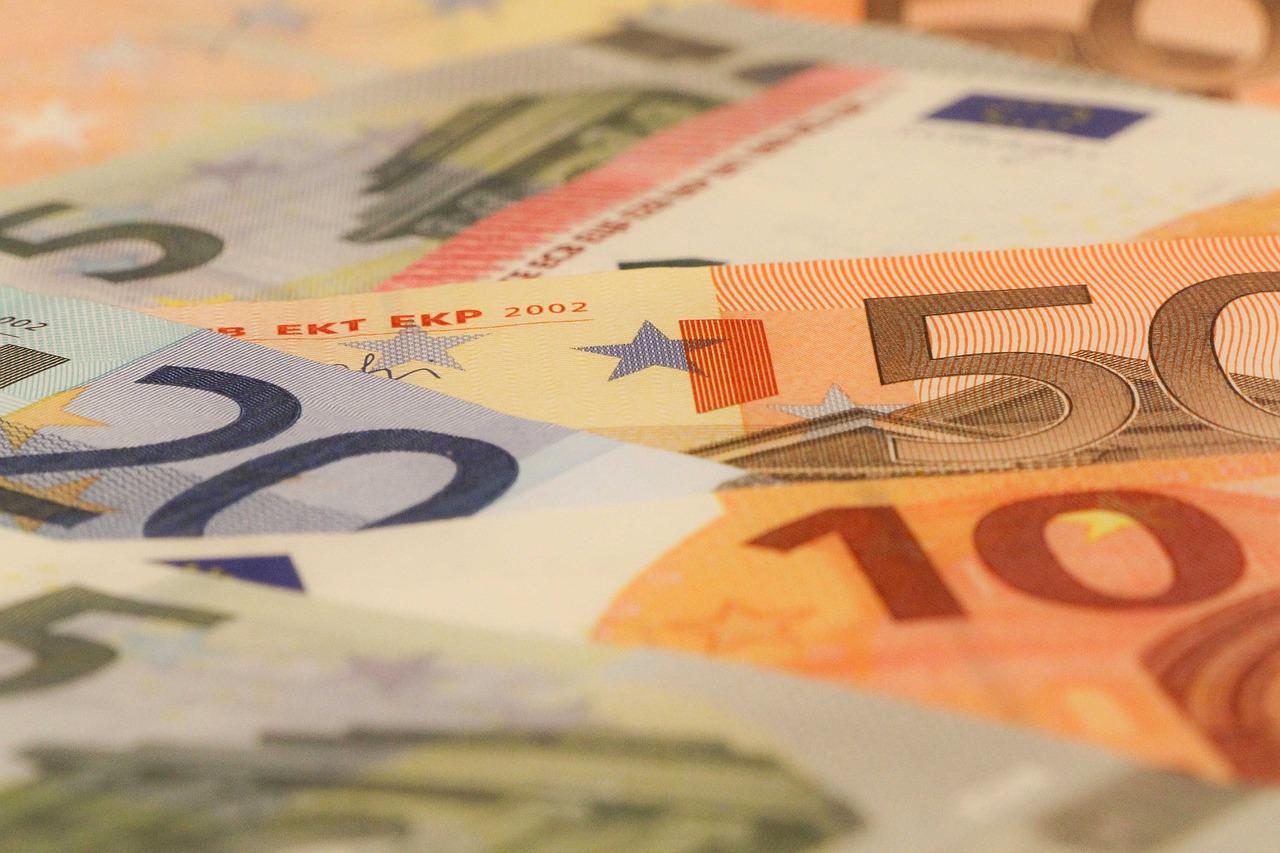 Incumplimiento de contrato de mandato por el banco: indemnización de ...
