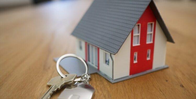 La cláusula que exige el consentimiento del banco para arrendar la finca hipotecada es abusiva