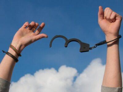 La cláusula de aval en los contratos de préstamo o crédito, nula por falta de transparencia